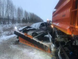 Пьяный водитель получил несколько переломов после того, как влетел в «КАМАЗ» в РТ