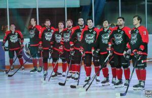 Хоккейный клуб «Нефтяник» отметил юбилей победой