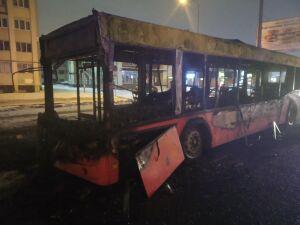 Автобус сгорел рано утром в Казани