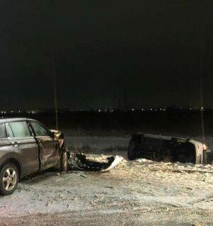 Такси вылетело на встречку и снесло авто в Казани, пассажир умер в больнице