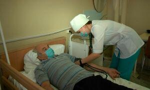 Студенты Нижнекамского медколледжа помогают врачам в больницах