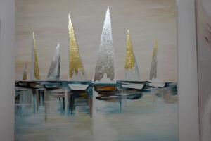 Нежность и мерцание золота: в Казани открылась выставка современного искусства