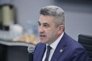 Глава Минобрнауки Татарстана не одобрил видеосъемку учителей в школах