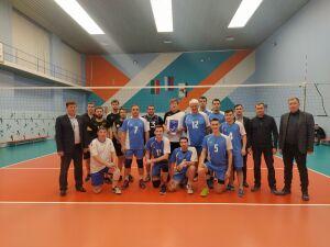 Врачи РКБ сыграли в Алексеевском в волейбол