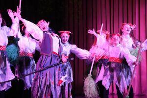 В Менделеевске показали премьеру мюзикла «Три богатыря на новогодний лад»