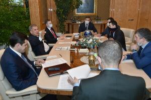 Президент Татарстана встретился с руководством «Газпром СПГ технологии»