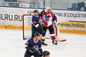 Хоккейный «Нефтяник» обыграл конкурента в гостях