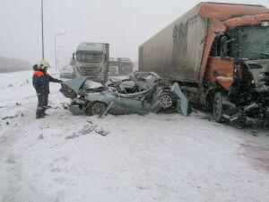 Три человека пострадали в массовом ДТП с грузовиками на трассе М7 в Татарстане