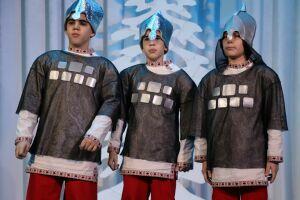 В Менделеевске прошла премьера новогоднего спектакля «Кто поедет в новый год»