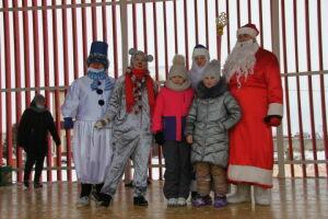 Для детей дорожников Алькеевского района устроили новогодний праздник
