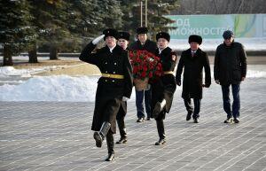 В Нижнекамске память погибших солдат почтили минутой молчания