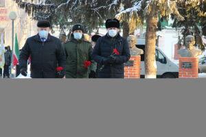 Тетюшане почтили память неизвестных солдат