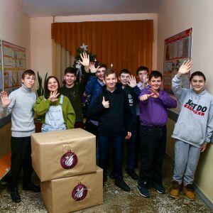 ФК «Рубин» отправил новогодние подарки в детские дома и больницы