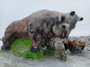 Вслед за Зеленодольском снежную 5-метровую фигуру Быка изваяли в Кукморе