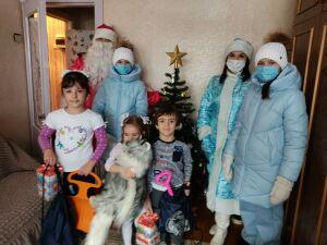 Дед Мороз в погонах навестил в Казани детей с непростыми судьбами
