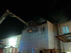 В Казани напротив Химграда горело административное здание
