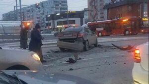 Пожилая женщина получила травмы в ДТП с тремя иномарками в Казани