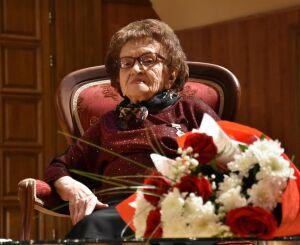 «Легенда челнинской культуры»: в Автограде отметили 95-летие Гульсабиры Хакимовой