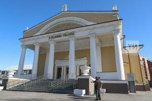 Актеры театра Кариева представят три лучших спектакля в Москве