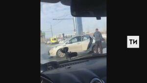 Два человека попали в больницу после ДТП напротив ипподрома в Казани