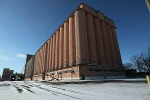 В полувековом символе Казани, портовом элеваторе, начинается капитальный ремонт