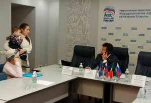 Марат Садыков ответил на вопросы граждан об охране здоровья и обеспечении лекарствами