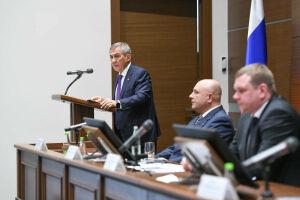 Минниханов назвал недопустимым сокращение доходов татарстанцев при банкротстве юрлиц