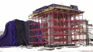 Началась поставка блоков для пешеходного перехода Большого Казанского кольца