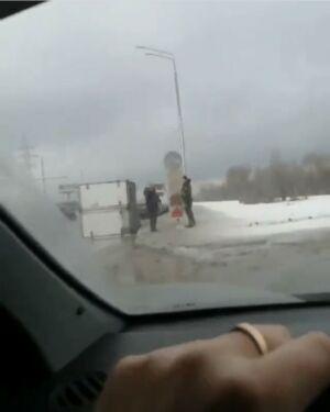 На видео попало, как в Казани у «ГАЗели» после ДТП оторвался кузов