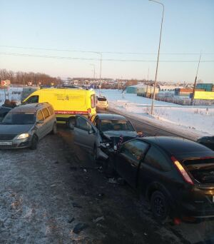 Шесть человек пострадали в Татарстане в аварии с автомобилем из свадебного кортежа