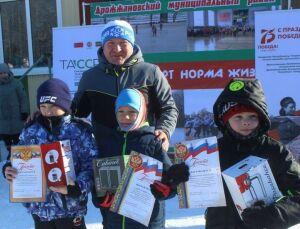 В Дрожжаное на «Лыжню Татарстана» приехал чемпион Европы по биатлону Вячеслав Лысов
