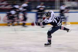 «Нефтехимик» расторг контракты с тремя хоккеистами