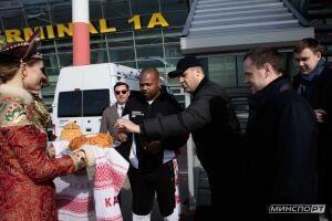 Легендарный боксер Рой Джонс-младший прибыл в Казань
