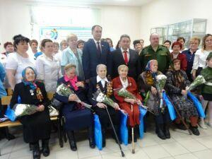 В Заинской ЦРБ вручили юбилейные медали ветеранам-медикам