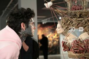 Репин в VR и купальщицы на стереопанелях: в ГСИ открылась выставка семьи Худяковых