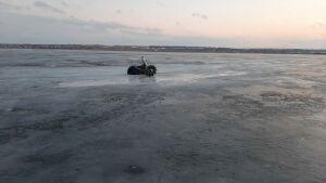 Двоих рыбаков, оказавшихся на льдине посреди реки, спасли в Татарстане