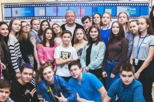 Актер Александр Робак научил заинских школьниц создавать фильмы в Анапе