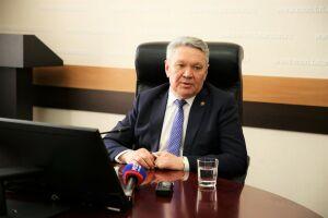 Бурганов: Для школьников РТ организуют дистанционную учебу по время весенних каникул