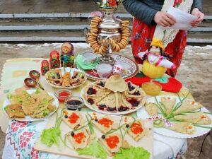 В поселке Камские Поляны провели конкурс на лучшие блины