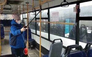 В Нижнекамске автобусы перед выходом на маршруты дезинфицируют