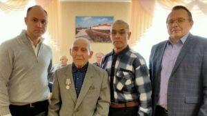 Ветеранам бугульминского поселка Карабаш вручили юбилейные медали к 75-летию Победы