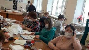 В нижнекамском колледже начали шить медицинские маски