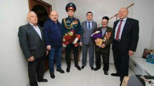 В Альметьевске ветеранам-фронтовикам вручили медали к 75-летию Победы