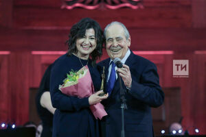 Минтимер Шаймиев вручил награды выдающимся женщинам Татарстана