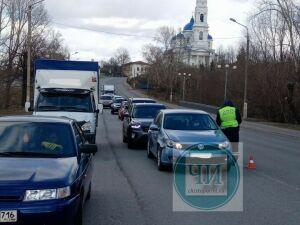 В Чистополе на улицах дежурят посты ДПС и участковые