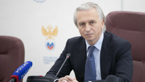 Глава РФС Дюков: Позиция УЕФА  — надо постараться доиграть национальные первенства