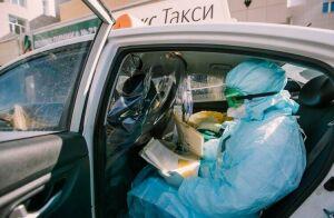 Казанские таксисты более 18 тысяч раз довозили врачей бесплатно