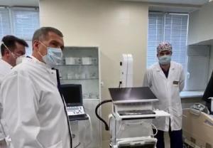Минниханов осмотрел новый автономный блок интенсивной терапии РКБ