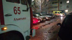 Из вспыхнувшего в девятиэтажке в Альметьевске пожара спасли 60-летнюю женщину