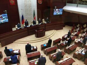 Госсовет Татарстана переходит на «особый режим работы» из-за ситуации с коронавирусом